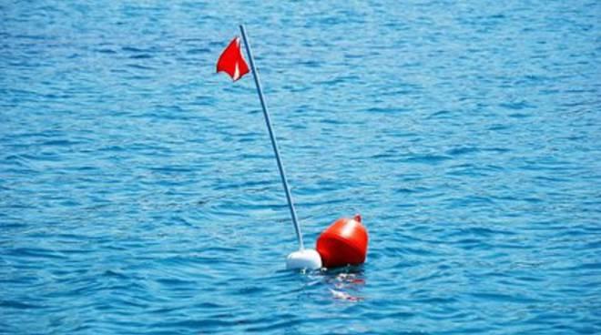 Incidente in mare, 16enne ferito da un'ancora
