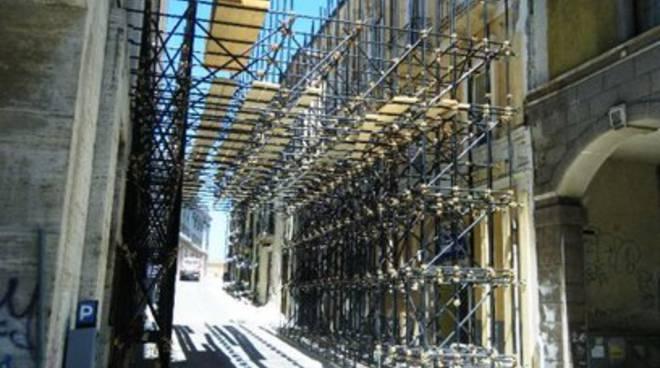 L'asse centrale sotto i ferri della Ricostruzione