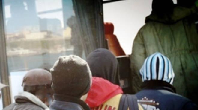 77 migranti a L'Aquila: «Nessun rischio Ebola»