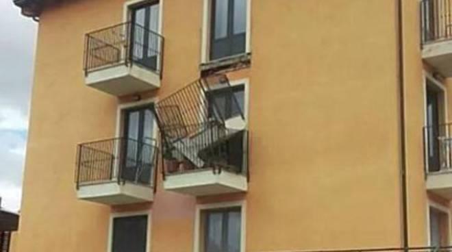 Cade balcone del Progetto C.a.s.e.