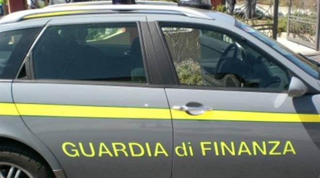 Gdf e Forestale sequestrano villa a Ocre
