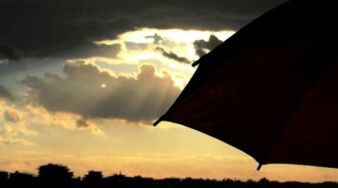 Meteo: oggi pioggia, domani sole