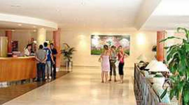 Tasse e Turismo, Federalbergi Aq scrive a De Santis