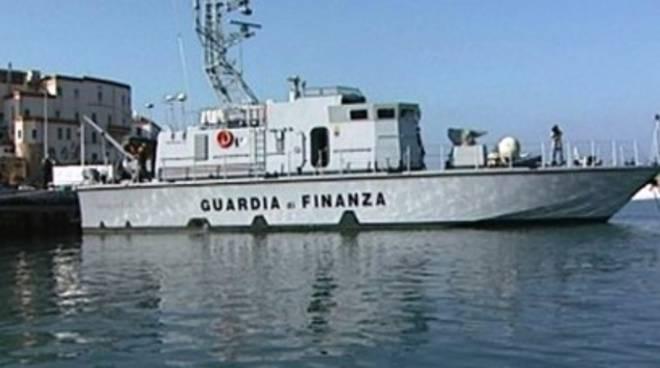 Molise, pescate 2 tonnellate di droga dal mare
