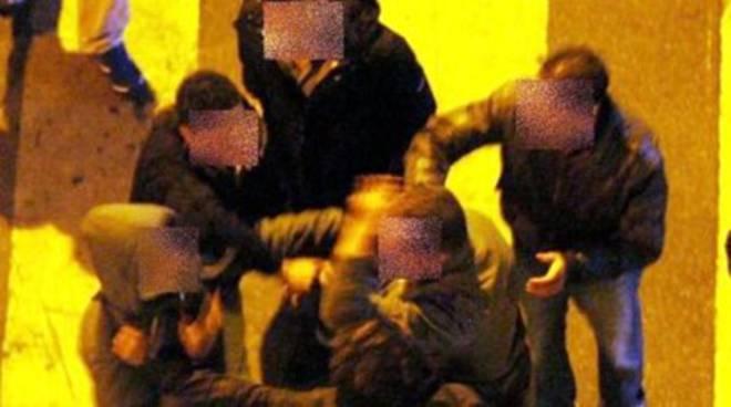 Pescara, violenta rissa in pieno centro