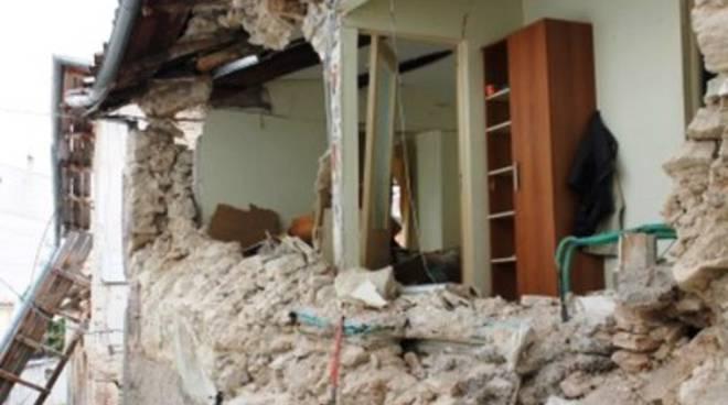 Ricostruzione, il Comune permuta le seconde case