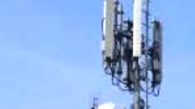 Antenna di via Roma, Az, appello al sindaco