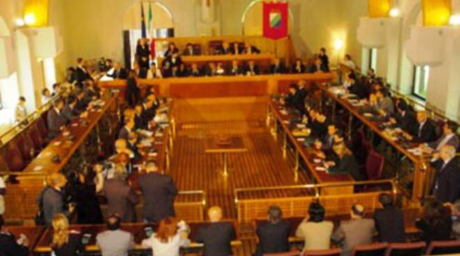 Consiglio regionale al lavoro
