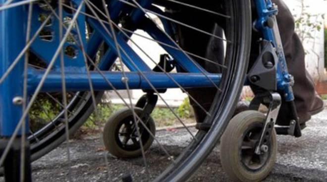 Disabili 'occupano' stanza della Regione