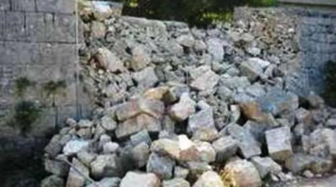 Pescara, crolla muro di casa in ristrutturazione