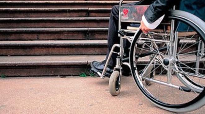 Disabili, «Si segnalino le barriere architettoniche su sito Regione»