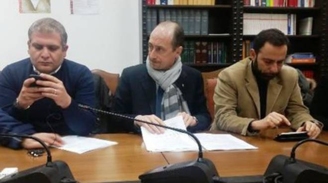 «Legge L'Aquila Capoluogo da riscrivere»
