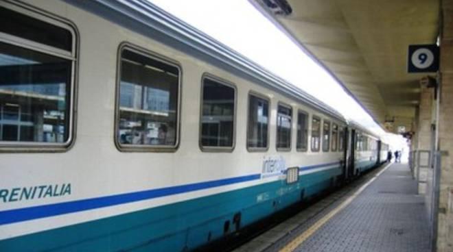 Maltempo, continua la sospensione dei treni