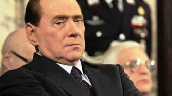 Neve Azzurra, Berlusconi promette di tornare a L'Aquila