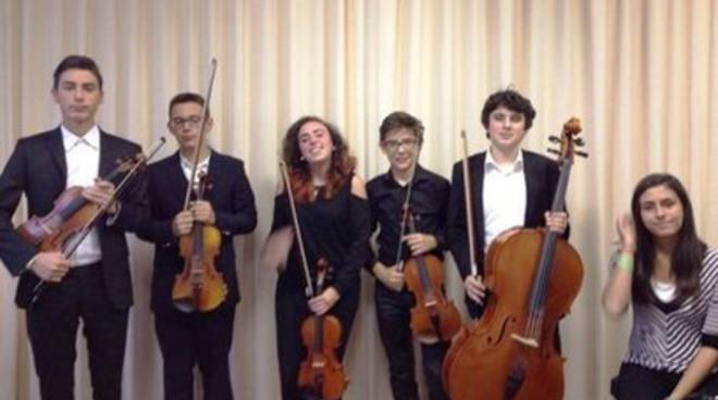 Young Soloists' Ensemble in concerto