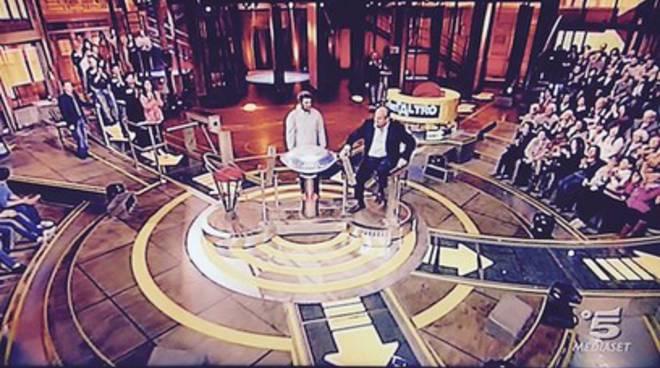 Gerry Scotti saluta Avezzano su Canale 5