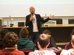 Luca Abete incontra studenti Univaq