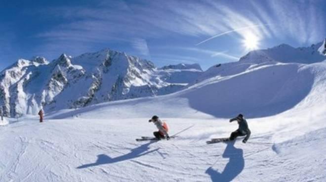 Muore a 75 anni mentre scia sulle piste di Campo Imperatore