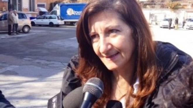 Piazza D'Armi: «Commercio fuori uso per negligenza»