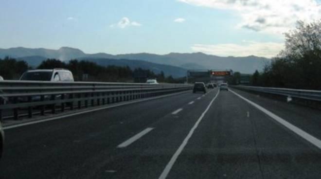 Autostrada A24, deviazione traffico in galleria Carestia