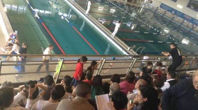Avezzano, bracciate di audacia nella piscina comunale