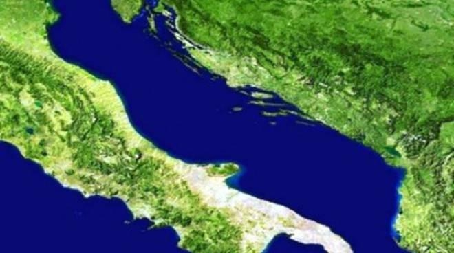 «Basta Adriatico cloaca bombardata dal ferro»