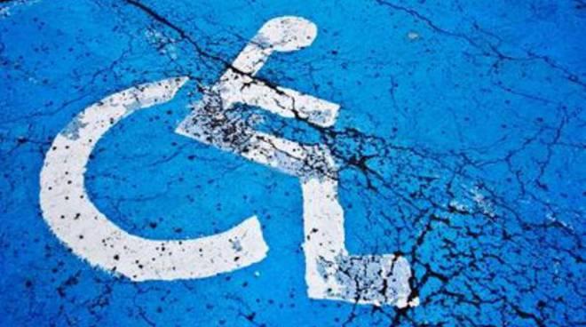 Disabili, più risorse per farli andare a scuola