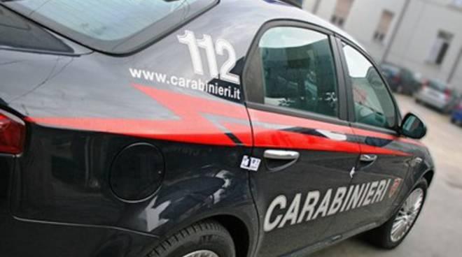 Luco, due rapinatori 'speronano' auto dei Carabinieri