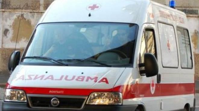 Pescara, perde il controllo dello scooter e muore
