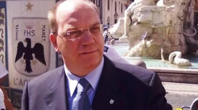 Province: «Continua caos, addio democrazia»