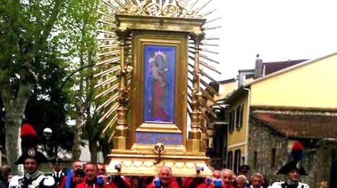 Avezzano, Maria torna fra i fedeli in processione