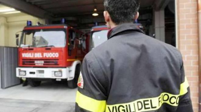 Casa avvolta dalle fiamme, tragedia sfiorata la notte di Pasquetta