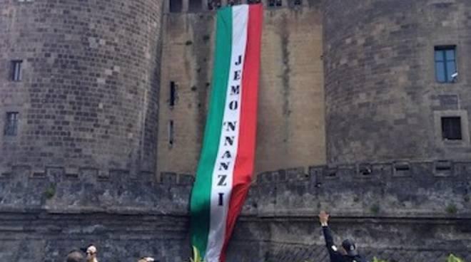 Il tricolore di Jemo 'nnanzi a Napoli