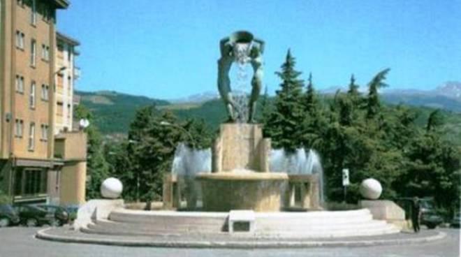 L'Aquila, flashmob alla Fontana Luminosa