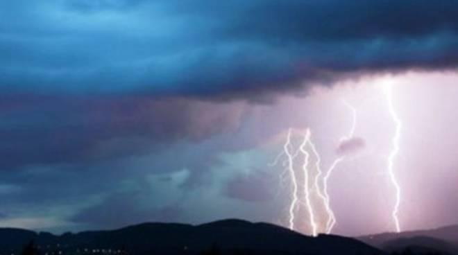 Meteo: in arrivo piogge, temporali e nubifragi