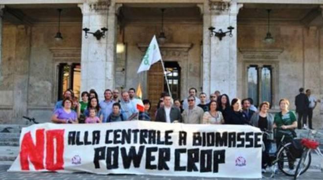 #NoPowercrop, politica contromano