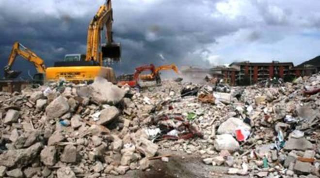 Post-sisma, al via smaltimento delle macerie