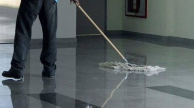Pulizie al 'San Salvatore', operaio reintegrato sul posto di lavoro