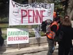 Sanità abruzzese tagliata, protesta in Regione [FOTO]
