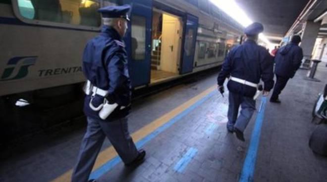 Sassi contro treni, denunciati 4 minorenni