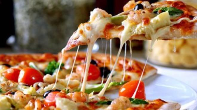Sfida fra pizzaioli a colpi di zafferano