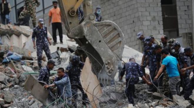Sisma Nepal, muratore aquilano chiede aiuto