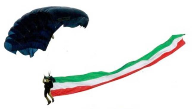 Adunata Alpini, i Parà 'atterrano' al Fattori [Foto]