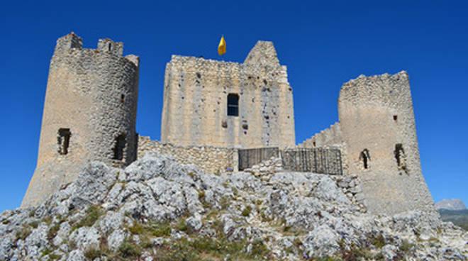 Apertura straordinaria della torre di Rocca Calascio