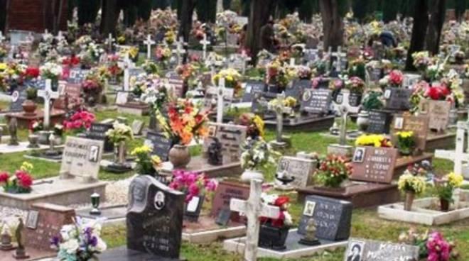 Furto di ossa al cimitero di Capistrello