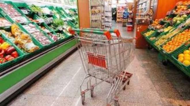 L'Aquila, riapre lo storico supermercato di Santa Barbara