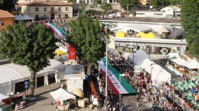 L'Aquila si emoziona con il Tricolore di Jemo 'nnanzi
