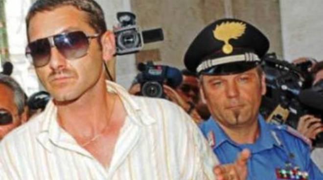 Parolisi condannato a 20 anni: non è stato 'crudele'