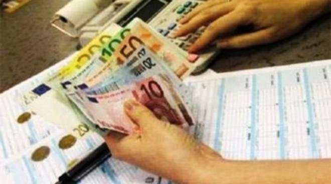 Aumento delle tasse a L'Aquila, «Giunta Cialente fallimentare»