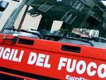 Camion distrutto dalle fiamme